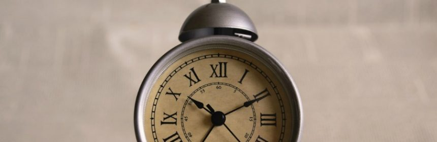 Wann hört ein Wecker auf zu klingeln?