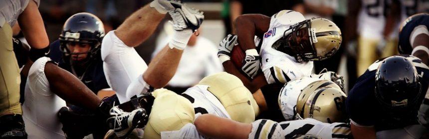 Warum haben Footballspieler schwarze Streifen unter den Augen?