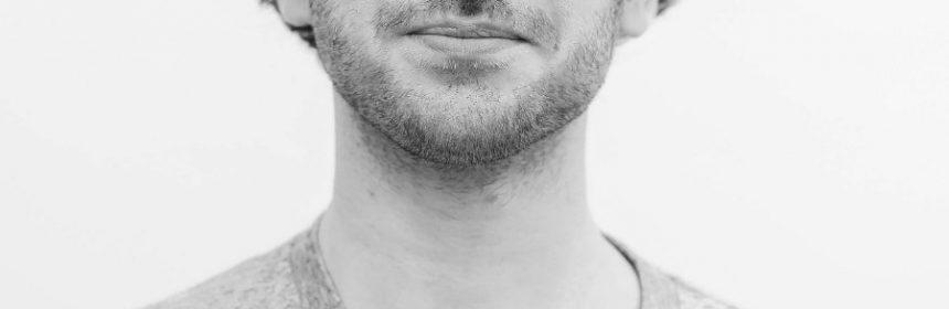 Welches Hormon lässt Bart wachsen?