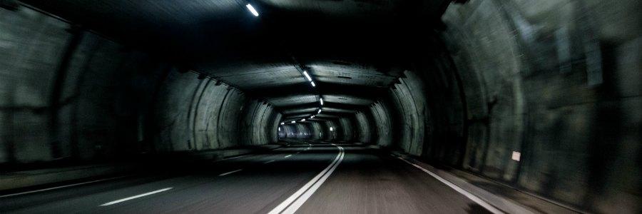 was ist bei einer tunneldurchfahrt besonders zu beachten fragen ans netz. Black Bedroom Furniture Sets. Home Design Ideas