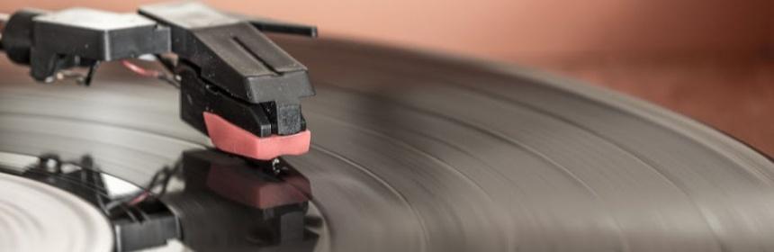 Warum ist eine Schallplatte schwarz?